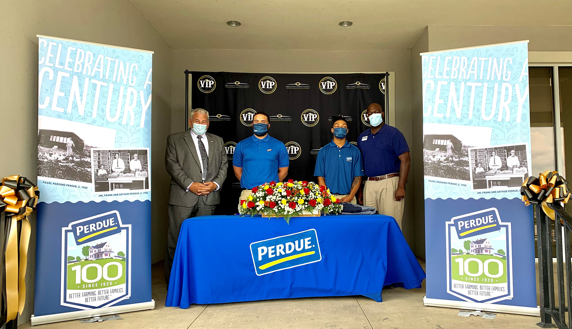 HCCA Students at Perdue Farms Signing Day